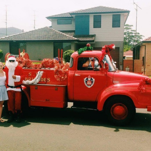 Australia, Christmas, Santa, sunshine, fire truck, down under